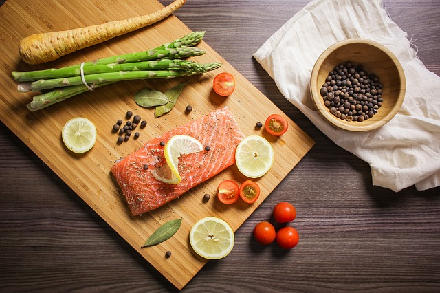 paleo diet improve health