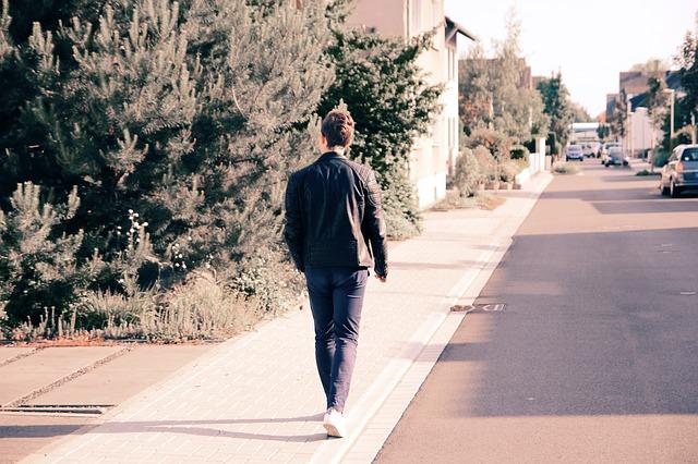 neighbourhood walkability and cardiovascular risk
