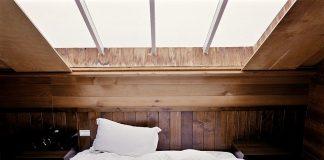 sleep deficit in adolescents