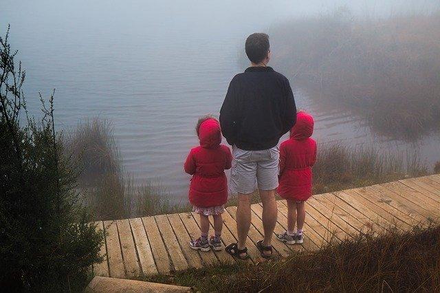 autism symptoms in twins