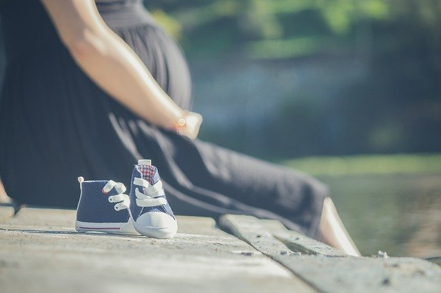 pre-pregnancy obesity associated with IQ