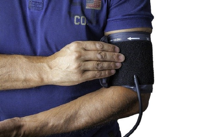 why measure blood pressure in both arms